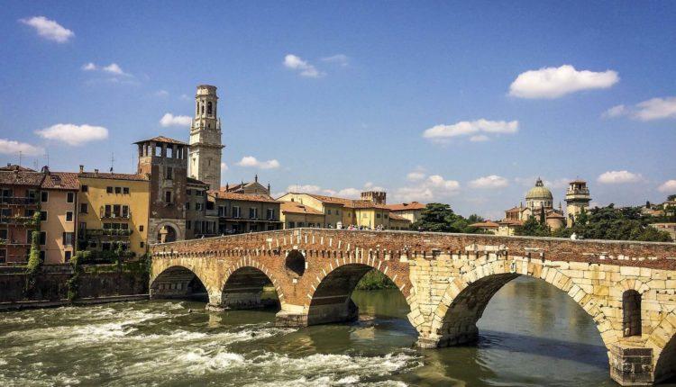 Manutenzione, assistenza e costruzione piscina zona Verona