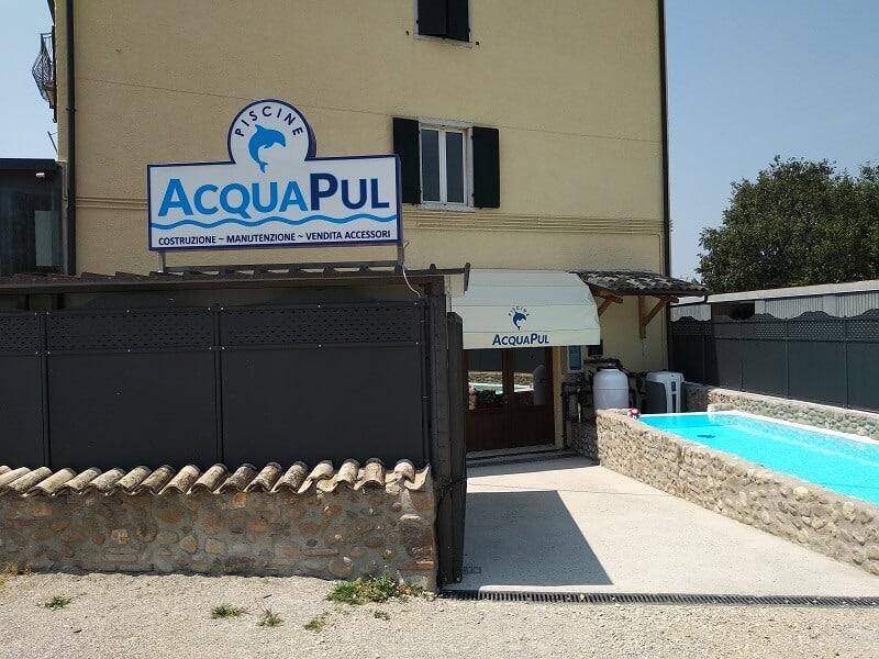 Negozio di articoli per la piscina, filtri, illuminazione, pompe, prodotti chimici e robot pulitori